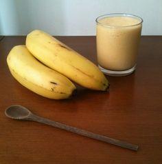 Yellow Smoothie  - 1 copo americano de leite, - 1/2 polpa de maracujá, - 1/2 polpa de manga, - 1 banana grande, - 100g de Iogurte Grego sabor baunilha
