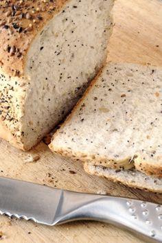 Rezept für ein Low Carb-Brot. Lecker und ganz ohne Kohlenhydrate!