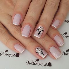 27 Modelos de Unhas com esmalte Branco French Manicure Nails, Manicure And Pedicure, Stylish Nails, Trendy Nails, Love Nails, Fun Nails, Rosary Nails, Cross Nails, Happy Nails