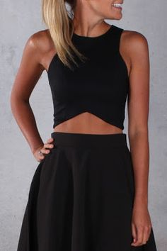 Fashion trends | Black crop top and skirt