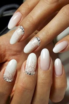 Looking for easy nail art ideas for short nails? Look no further here are are quick and easy nail art ideas for short nails. Wedding Gel Nails, Natural Wedding Nails, Natural Gel Nails, Wedding Nails For Bride, Bride Nails, Wedding Nails Design, Jamberry Wedding, Bling Wedding, Rhinestone Wedding