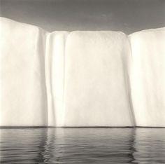 〝永恆的偉大〞雄偉寧靜的冰山攝影 — Lynn Davis — 凱亞克的城市美學 — Medium