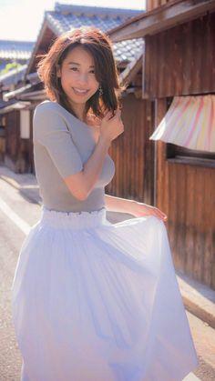 スマホの壁紙 - Wallpaper for smartphone - Android, iPhone Japan Woman, Japan Girl, Japanese Beauty, Asian Beauty, Cute Fashion, Womens Fashion, Beautiful Asian Girls, Female Bodies, Pretty Woman