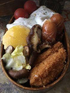 ロコモコお弁当にしました❣️  初めて入れた白身魚のタルタルフライが、意外にもヒットだったらしい〜🍀