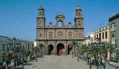 At the heart of the Vegueta quarter sits the twin-towered Santa Ana Cathedral, the first church in the Canaries, which was built on the orders of Los Reyes Católicos, Queen Isabella I of Castile and King Ferdinand II of Aragon, after Gran Canaria was conquered in 1478.