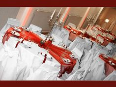 White and Red theming Wedding Reception Tables, Wedding Table Decorations, Wedding Centerpieces, Wedding Quotes, Wedding 2015, Tablescapes, Wedding Inspiration, Wedding Ideas, Garden Weddings