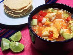La Cocina de Leslie: Coctel de Camarones {Mexican Shrimp Cocktail}