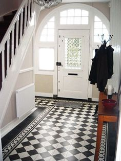 House, White Porch, Victorian Homes, House Goals, Marble Floor Pattern, Front Entryway, New Homes, Interior Deco, Victorian House Interiors