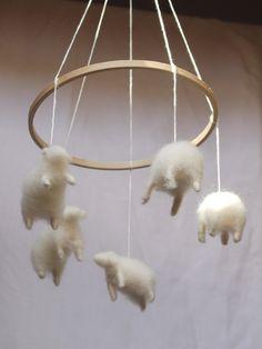 mobile-moutons par mains de laine sur etsy