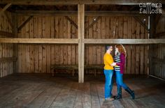 Rustic barns always make a gorgeous backdrop.