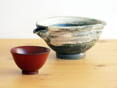 Hakeme Sake Pouring vessel and Lacquer Sake cup.