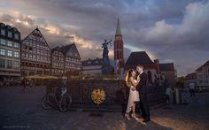 Verlobungs-Shooting in Frankfurt am Main Engagement Inspiration, Maine, Louvre, Frankfurt Main, Building, Travel, Vespa Motorcycle, Wedding Photography, Photo Shoot
