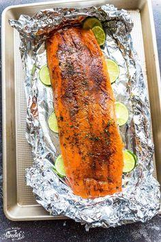 How To Cook Salmon Six Ways Plus 25+ Healthy Salmon Recipes Honey Lemon Salmon, Garlic Salmon, Pan Fried Salmon, Oven Baked Salmon, Salmon On The Stove, Broccoli, Healthy Salmon Recipes, Keto Recipes, Creamy Dill Sauce