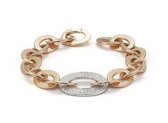 Le bracelet Love Chain en or rose de Roberto Coin http://www.vogue.fr/joaillerie/le-bijou-du-jour/diaporama/le-bracelet-love-chain-en-or-rose-de-roberto-coin/16971
