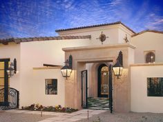 Spanish Style Homes with Courtyards | Spanish Courtyard Design