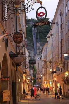 Salzburg, Austria http://www.escapefish.com/destinations/austria/salzburg