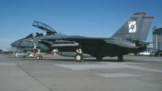 162608 (cn Grumman Tomcat Photo by David F. Air Fighter, Fighter Jets, Uss Enterprise Cvn 65, F14 Tomcat, Post War Era, Aircraft Photos, Fighter Aircraft, Us Navy, Modern Warfare