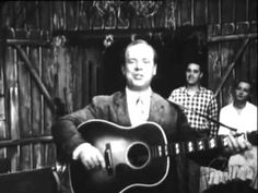 Mac Wiseman - Love Letters in the Sand & Keep on the Sunny Side 1955.flv Country Music Videos, Smiling Man, Keep On, Famous Singers, Love Letters, Sunnies, Singing, Songs, Cartas De Amor