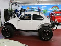 VW Bug set for offroading. would be so much fun Vw Beach, Beach Buggy, Auto Volkswagen, Vw T1, Baja Bug For Sale, Vw Bugs, Vw Dune Buggy, Dune Buggies, Vw Baja Bug