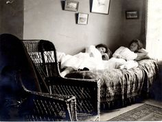 Students relax in a dorm room, 1890s.    (Vassar College Archives)