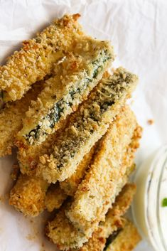Our low carb zucchini fry recipe is super delicious and only have 5 INGREDIENTS! Everyone will love them plus they're keto and vegetarian friendly too! Low Carb Zucchini Fries, Bake Zucchini, Oven Fried Zucchini, Zucchini Appetizers, Yummy Appetizers, Zucchini Zoodles, Gluten Free Puff Pastry, Paleo, Fries In The Oven