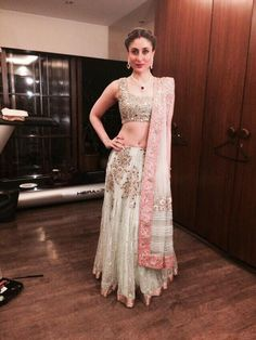 From glitzy gowns to Indian drapes, Kareena Kapoor fashion statement is trendsetting. let's check 15 stunning desi avatars of kareena kapoor fahsion styles. Pakistani Dresses, Indian Dresses, Indian Outfits, Indian Attire, Indian Wear, Beautiful Saree, Beautiful Dresses, Beautiful Women, Eastern Dresses