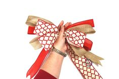 How to Make a Bow with Multiple Ribbons Save those ribbon scraps and make these easy multiple ribbon bows. Tie Bows With Ribbon, How To Make A Ribbon Bow, Ribbon Hair Bows, Diy Hair Bows, Diy Bow, Diy Ribbon, Ribbon Crafts, Ribbons, Ribbon Flower