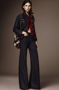 See the complete Burberry Pre-Fall 2016 collection.