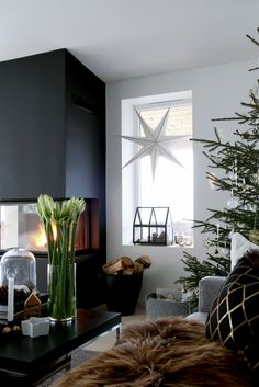 Stylish contemporary holiday decor ideen schwarz Modern Christmas Decor Ideas are all Style and Chic
