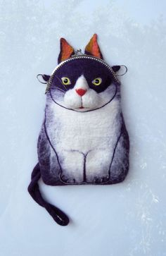 CAT Wet Felted Purse.@Ember Davis Davis Davis Davis Ely I spy a Christmas gift!!