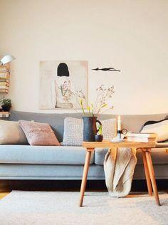 Jahresrückblick 2017: Die 17 beliebtesten Wohnungsbilder und was sonst noch geschah | SoLebIch.de Foto: lucie2614 #solebich #wohnen #wohnideen #dekoration #deko #dekoideen #ideas #interior #interiordecor #interiordesign #einrichten #einrichtungsideen #einrichtungstrends #einrichtsungstipps #wohnzimmer #livingroom #couch #sofa #beistelltisch #keramik #kerze