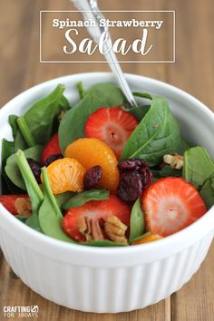 Delicious Strawberry Spinach Salad - the perfect, healthy meal for the new year!