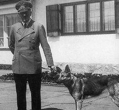 La cruel muerte de Blondi, la perra de Adolf Hitler