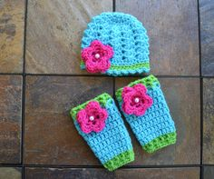Crochet girl hat and leg warmer,crochet summer hat,beanie cluster hat,girl beanie hat with flower,0-3 months photo prop,shower gift by Etvy on Etsy