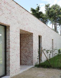 Brick Masonry, Brick Facade, Brick Architecture, Minimalist Architecture, Brick Building, Building Design, Building A House, Brick Extension, Brick Detail