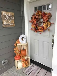 Fall Home Decor, Autumn Home, Home Decor Items, Farmhouse Front Porches, Rustic Farmhouse, Farmhouse Style, Farmhouse Ideas, Front Door Decor, Front Porch Fall Decor