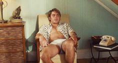 Pin for Later: Rincez-vous l'oeil avec ces GIFs de Zac Efron torse nu !!  Source: Millenium Films