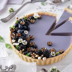 This Lavender-Infused Pudding Tart with Shortbread Crust recipe is featured in the Pies and Tarts feed along with many more. Tart Recipes, Sweet Recipes, Dessert Recipes, Vegan Recipes, Vegan Desserts, Delicious Desserts, Yummy Food, Plated Desserts, Shortbread Crust
