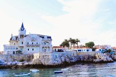 What to see, do and eat in Cascais, Portugal #travel #portugal #europe