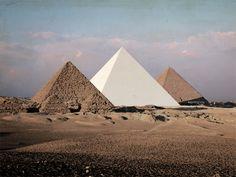 pyramids of giza white Ancient Aliens, Ancient Egypt, Tenerife, Catty Noir, Pyramids Of Giza, Belle Photo, Archaeology, Deserts, Tumblr