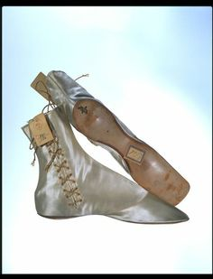 Boots 1850, British, satin, in storage at V&A Museum.