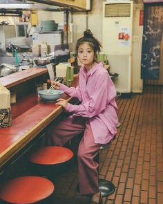 Pin on 今田美桜 Aesthetic Japan, Aesthetic People, Aesthetic Photo, Best Photo Poses, Good Poses, Pose Reference Photo, Female Reference, 90s Fashion, Fashion Outfits