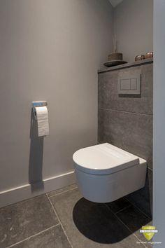 Toilet Room Decor, Small Toilet Room, Small Bathroom, Wc Decoration, Modern Toilet, Toilet Accessories, Downstairs Toilet, Toilet Design, Bathroom Goals