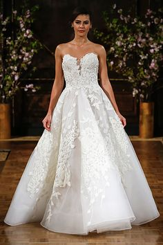 Wedding gown by Isabelle Armstrong (Style Charlie).