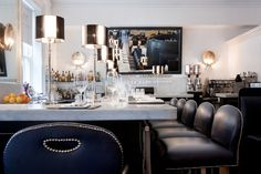The Cliff Townhouse in Dublin Oyster Bar, Dublin, Townhouse, Vanity, Ceiling Lights, Mirror, Cliff, Table, Ireland