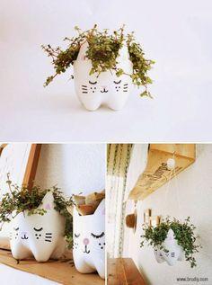Faire un joli miaou-pot de fleurs avec une bouteille en plastique