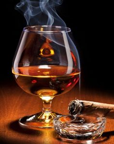 Cognac with a nice Cuban Cigar. Good Cigars, Cigars And Whiskey, Scotch Whiskey, Whiskey Glasses, Barris, Art Of Manliness, Cigar Bar, Cigar Room, Pipes And Cigars