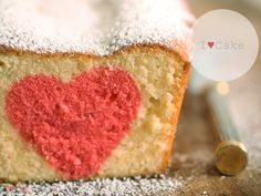 DIY Rezept: Herz im Kuchen backen // recipe: how to bake a heart in a cake via DaWanda.com