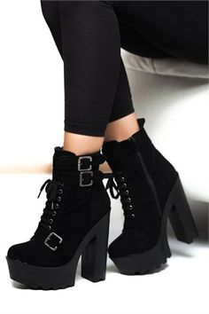 Goth Shoes, Cute Shoes Heels, Pretty Shoes, Fashion Heels, Fashion Boots, Sneakers Fashion, High Heel Boots, Heeled Boots, Shoe Boots