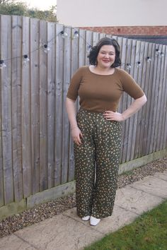 How I wore: patterned flared trousers Harem Pants, Trousers, Best Lipsticks, Outfit Posts, People Like, My Wardrobe, Pattern Fashion, Your Style, That Look